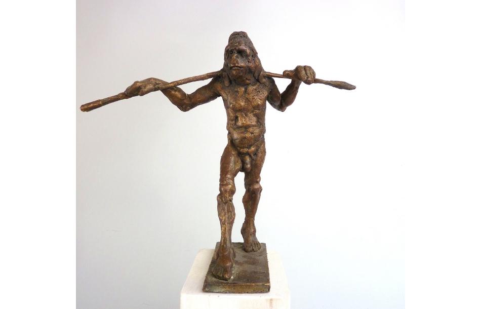 31.gehender Gorilla-Bronze, h 12 cm